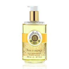 Bois d'Orange Liquid Soap is saponified using the traditional cauldron method used for Roget round soap. Formulated on a pure plant basis, it is enriched with nourishing, softening shea milk for gentle cleansing. It can be used on the body and hands. Powder Soap, Healing Hands, Mind Body Spirit, Liquid Soap, Paris, Orange, Perfume Bottles, Pure Products, Cauldron