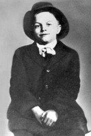 "Do you recognize this little boy before he became famous? Bob Hope, born Leslie Townes Hope, English-born American comedian, vaudevillian, actor, singer, dancer, author, and athlete who appeared on Broadway, in vaudeville, movies,tv, and radio. Born: May 29, 1903, Eltham, United Kingdom Died: July 27, 2003, Toluca Lake, Los Angeles, CA Height: 5' 10""  Children: Linda Hope, Eleanora Hope, Anthony J. Hope, William Kelly Francis Hope Spouse: Dolores Hope (m. 1934–2003)"