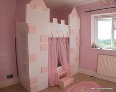 Fairytale Castle Bed - If I saw this more than a year ago I would have made sure I got it for my princess.