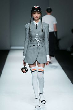 Hui By Eran Hui, Spring-Summer Shanghai, Womenswear Fashion Line, Live Fashion, Fashion Brand, Fashion Show, Fashion Outfits, Fashion Design, Couture Fashion, Runway Fashion, Harajuku Fashion