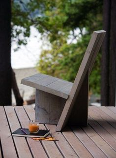 3 Piece outdoor chair. You could easily use reclaimed wood for this.