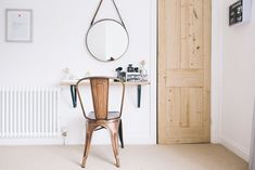 Makeup Vanity Ideas for Small Spaces Fresh Small Space Dressing Table and Beauty Station Ideas Small Space Living, Small Spaces, Small Dressing Table, Dressing Tables, Easy Diy Makeup, Spiegel Design, Rock My Style, Diy Makeup Vanity, Makeup Vanities