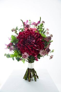 Instead of a big bouquet of flowers, consider making a statement with just one stylish stem Small Wedding Bouquets, Fall Bouquets, Fall Wedding Flowers, Wedding Flower Inspiration, Fall Flowers, Flower Bouquet Wedding, Autumn Wedding, Flower Bouquets, Flower Ideas