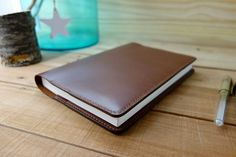This essential Leather Hobonichi Cousin cover is an exquisite choice to protect your A5 planner. Interior of cover card pockets and receipt pockets. strideridge.com discount code at - http://eepurl.com/bLaqOH