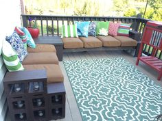 Lowes Patio Furniture Cinder Blocks Ideas For 2019 Lowes Patio Furniture, Cinder Block Furniture, Cinder Block Bench, Cinder Block Walls, Cinder Block Garden, Rustic Furniture, Cinder Blocks Lowes, Cinder Block Ideas, Antique Furniture