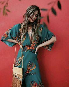 Boho style boheme bohemian style robe sac frange fringe robe a fleur robe longue dress bohemian dress wavy hair blonde blonde femme women style fashion fashionista