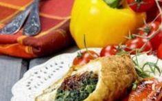 Ricette Secondi Piatti: Involtini di pollo agli spinaci Ecco a voi una ricetta per un primo semplice e veloce:  Ingredienti 8 fettine di petto di pollo 500 g di spinaci 8 fette di provola 8 pomodori secchi  2 uova Pangrattato q.b. Farina di grano #involtini #pollo #spinaci #ricetta #seco