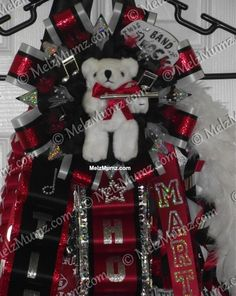 Creative Custom made Homecoming Mums and Garters for North DFW area Flower Mound, Marcus, Lewisville, Colleyville, Coppell and more. FEATURING MELZ MAKE YOUR OWN MUM KIT - packed with all the homecoming mum suppl Homecoming Week, Band Mom, Flower Mound, Banquet, 4th Of July Wreath, Flute, Photo Galleries, Awards, Texas