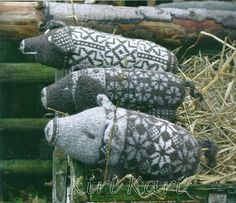 So cute or maybe make pigs from old sweaters. Nice repurpose idea.                                                                                                                                                                                 More