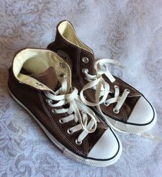 Dr Shoes, Swag Shoes, Hype Shoes, Me Too Shoes, Brown Converse, Converse Shoes, Brown Nike Shoes, Brown Sneakers, Aesthetic Shoes