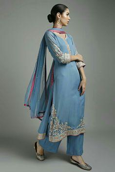Looking for salwar kameez for women? Indian & Pakistani Salwar Suits Online - Buy Anarkali Suits, Salwar Suits, Churidar Suits, Pants Suits and Palazzo Suits Online. Indian Suits, Indian Attire, Indian Wear, Pakistani Dresses, Indian Dresses, Suits For Women, Clothes For Women, Salwar Suits, Sharara Suit