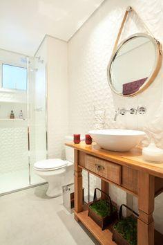 Rustic bath room cabinets cupboards 56 most popular Ideas Bathroom Linen Cabinet, Bath Cabinets, Bad Inspiration, Bathroom Inspiration, Bathroom Ideas, Minimalist Baths, Home Upgrades, Room Accessories, Bathroom Styling