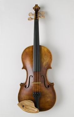 Beautiful fiddle made by Doug Yule. Love the olive wood chinrest.