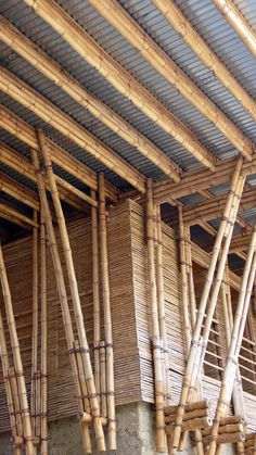 Handmade School in Rudrapur METI - Archkids. Architecture for children. Detail Architecture, Innovative Architecture, Bamboo Architecture, Vernacular Architecture, Sustainable Architecture, Bamboo Roof, Bamboo Art, Bamboo Crafts, Bamboo Garden