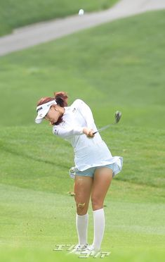 Girl Golf Outfit, Cute Golf Outfit, Girls Golf, Ladies Golf, Mens Golf Fashion, Panty Images, Female Athletes, Female Golfers, Golf Pictures