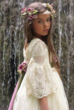Girls Summer Outfits, Dresses Kids Girl, Girl Outfits, Flower Girl Dresses, Princes Dress, Robes Tutu, Wedding Bridesmaids, Wedding Dresses, Holy Communion Dresses