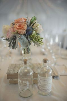 Cute and simple centerpiece. image by pobkephotography.com