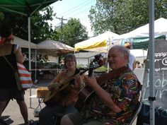 Twitter / voice4u: Bob & Lynn Dixon playing at the market