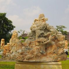 landscape in yellow marble.  Pls contact danang.marble@gmail.com or danangmarble.com.vn for order or more information.