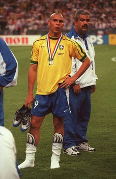 Ronaldo World Cup 1998 Stock Pictures, Royalty-free Photos & Images - Getty Images Brazil Football Team, Football Icon, Best Football Players, World Football, Soccer Players, Football Soccer, Ronaldo Inter, Ronaldo 9, Ronaldo Football