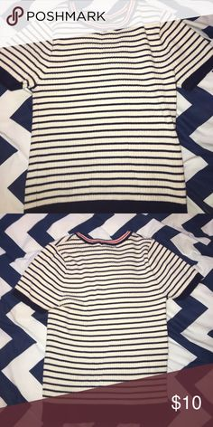 Stripped crop top! NO STAINS !  It says large on the tag but fits very small. Forever 21 Tops Crop Tops