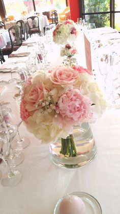 Centre de table de pivoines sur pinterest centres de - Bouquet centre de table ...