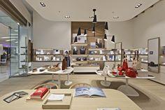 Echipele noastre sunt solicitate să realizeze proiecte pentru cele mai diversificate spatii, proprietati private, spaţii comerciale, baruri, restaurante, hoteluri etc, Chiar daca este vorba de... Visual Merchandising, Store Design, Design Shop, Shelf Design, Retail Space, Branding, Skagen, Retail Shop, Design Furniture