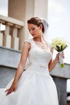 Girls Dresses, Flower Girl Dresses, Cale, One Shoulder Wedding Dress, Wedding Dresses, Fashion, Dresses Of Girls, Bride Dresses, Moda