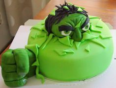 The Incredible Hulk Incredible Hulk, Birthday Cakes, Food Art, Avengers, The Incredibles, Baking, Desserts, Diy, Tailgate Desserts