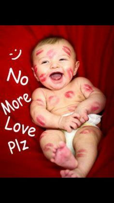 This is so cute.....good baby pic idea!!