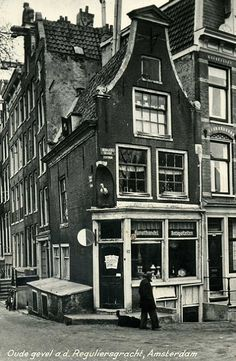 Amsterdam Center and surroundings Amsterdam Winter, Amsterdam Holland, New Amsterdam, Architecture Old, Classical Architecture, Rotterdam, Old Houses, Old Photos, Netherlands