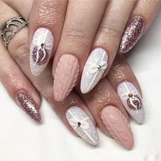 Nail art Christmas - the festive spirit on the nails. Over 70 creative ideas and tutorials - My Nails Cute Christmas Nails, Christmas Nail Art Designs, Holiday Nail Art, Xmas Nails, Winter Nail Art, Winter Nails, Xmas Nail Art, Valentine Nails, Winter Nail Designs