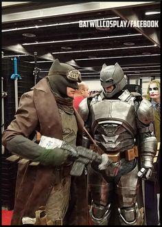 Batman desert cosplay batman nightmare batwill comic con Montreal 2016