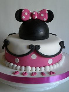 Torta Minnie by Pastelera Bakery Shop, via Flickr