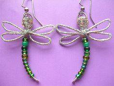 Dragonfly Earrings Wire Earrings Glass by DefinitelyDifferent Green Earrings, Wire Earrings, Glass Earrings, Wire Jewelry, Jewelry Crafts, Beaded Jewelry, Unique Jewelry, Jewellery, Dragonfly Pendant