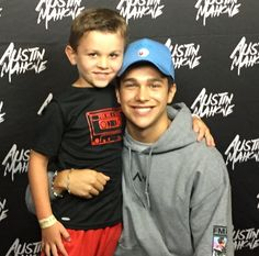 @austinmahone: Houston show was incredible!! 🙏🏼🙌🏼 Loved seeing my family and friends ❤️