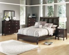 Karolino Dark Brown Wood Master Bedroom Set