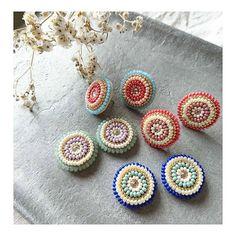 #ビーズ刺繍#beadwork#handmadejewelry #ビーズ刺繍ピアス #minne#レトロ#colorful #手刺繍#刺繍アクセサリー #rittacoco