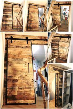 Wood Pallets Wall Art And Sliding Door for Bathroom Pallet Wall Bathroom, Rustic Bathroom Shelves, Pallet Wall Art, Pallet Walls, Wall Wood, Bathroom Art, Bathrooms, Diy Interior Sliding Door, Sliding Bathroom Doors