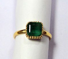 Vintage Emerald Ring 18 K solid gold Emerald ring 9398