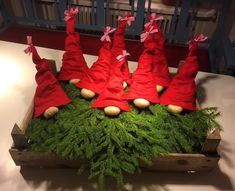 Bilderesultater for nisse av granbar Christmas Gnome, Christmas Wood, Scandinavian Christmas, Winter Christmas, Christmas Wreaths, Christmas Crafts, Christmas Ornaments, Candy Christmas Decorations, Christmas Inspiration