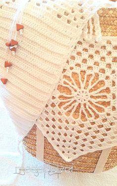 cesto ganchillo, cesto crochet, cesto con adorno, playa, complementos, verano Top, Basket, Ornaments, Beach, Summer Time, Crocheting, Crop Shirt, Shirts