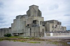 P Reactor, Savannah River Site one of the 5 reactors where the US produced all of its weapons grade plutonium.[1600X1071][OC] - Imgur