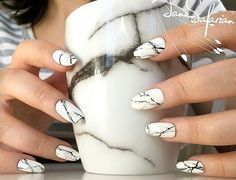 Marble acrylic nails are very popular this year, and manicure styles similar to marble texture are also popular this year. This rare and temperamental marble nail really makes people feel beautiful and fashionable. Marble nails have a good texture. White Nail Designs, Acrylic Nail Designs, Nail Art Designs, Nails Design, Marble Acrylic Nails, Long Acrylic Nails, Glue On Nails, Fun Nails, Acrillic Nails