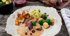 Ryper er en sann delikatesse og nærmere vill, norsk natur kommer du nesten ikke. Dette er festmat og denne oppskriften har det beste av tilbehør og saus til rypemiddagen! Her får du steg for steg oppskrift på ovnsstekt rypebryst med fløtesaus, grønnsaker, kantareller og mandelpotetmos. Mashed Potatoes, Food Porn, Chicken, Ethnic Recipes, Desserts, Whipped Potatoes, Tailgate Desserts, Deserts, Dessert