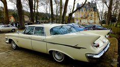 Rendez-vous mensuel de L'Isle-Adam (95) . Parc du château Conti - jean-pierre Marche - Imperial berline