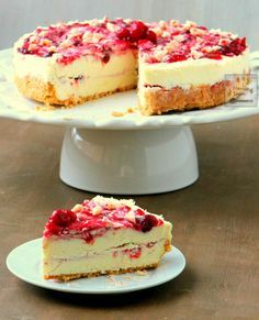 The ultimate dessert for Christmas, New Year or any holiday! EASY No Bake White Chocolate Cranberry Cheesecake - fruity, creamy, chocolaty and totally delicious! | manilaspoon.com