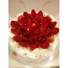Strawberry Cheesecake from Baguio Baguio, Strawberry Cheesecake, Raspberry, Fruit, Desserts, Food, Tailgate Desserts, Deserts, Essen