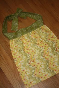 Very simple apron tutorial from cloth napkin + 1/2 yd fabric