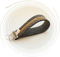 "Edles Filzschlüsselband: ""Goldglitzer"" von miss rosaly auf DaWanda.com Personalized Items, Accessories, Fashion, La Mode, Fashion Illustrations, Fashion Models"
